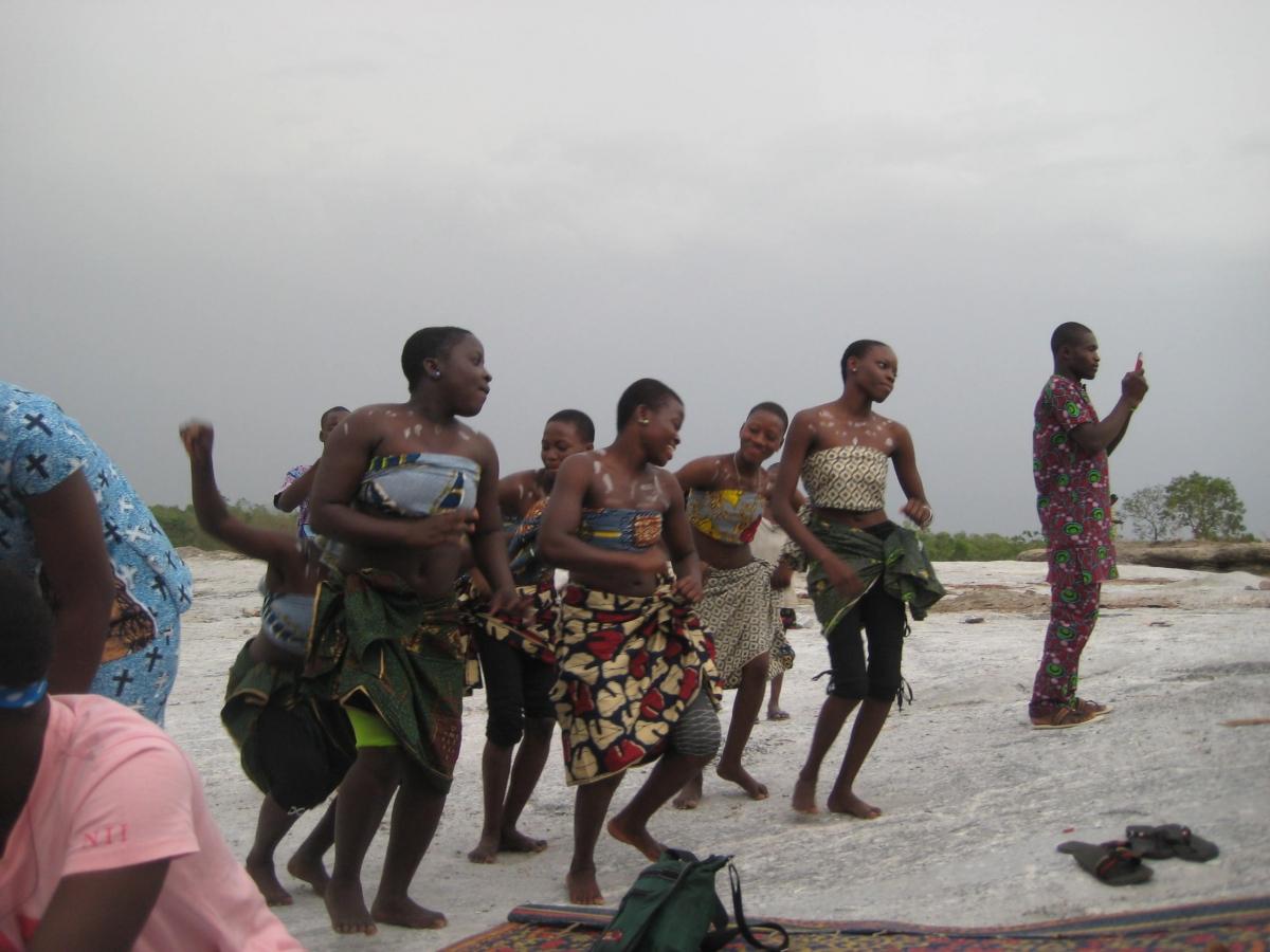 Danse - Rencontre avec les membres du club Draguignan-Bénin Parakou Février 2012 Crédit photo Sylvie MOULIN